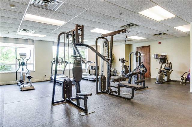 Condo Apartment at 23 Oneida Cres, Unit 701, Richmond Hill, Ontario. Image 3
