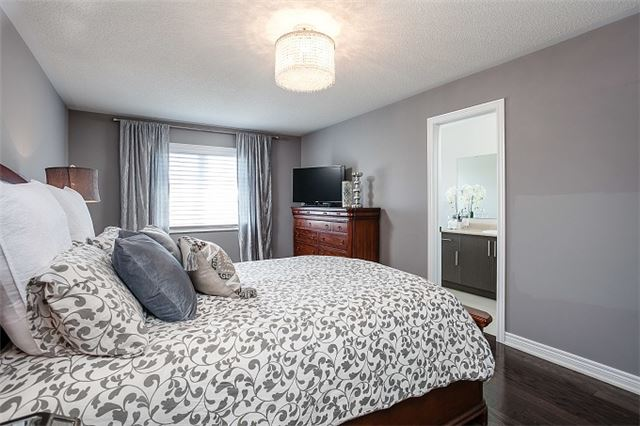 Townhouse at 31 Alexie Way, Vaughan, Ontario. Image 7