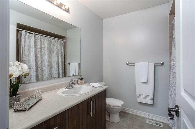Townhouse at 31 Alexie Way, Vaughan, Ontario. Image 8