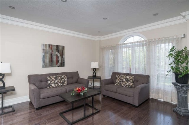 Detached at 110 Green Manor Cres, Vaughan, Ontario. Image 19