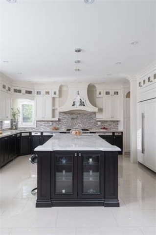 Detached at 110 Green Manor Cres, Vaughan, Ontario. Image 3