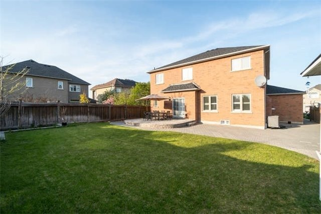 Detached at 110 Green Manor Cres, Vaughan, Ontario. Image 10