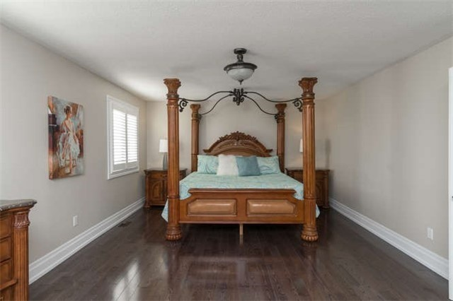 Detached at 110 Green Manor Cres, Vaughan, Ontario. Image 11