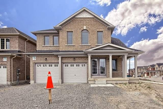 Detached at 2 Milby Cres, Bradford West Gwillimbury, Ontario. Image 1