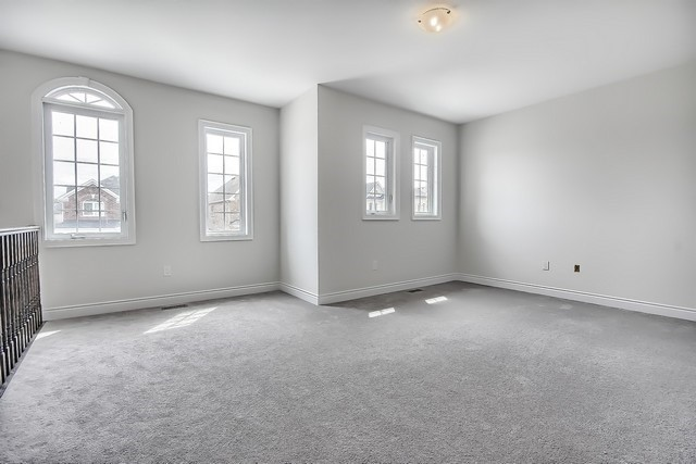 Detached at 2 Milby Cres, Bradford West Gwillimbury, Ontario. Image 7