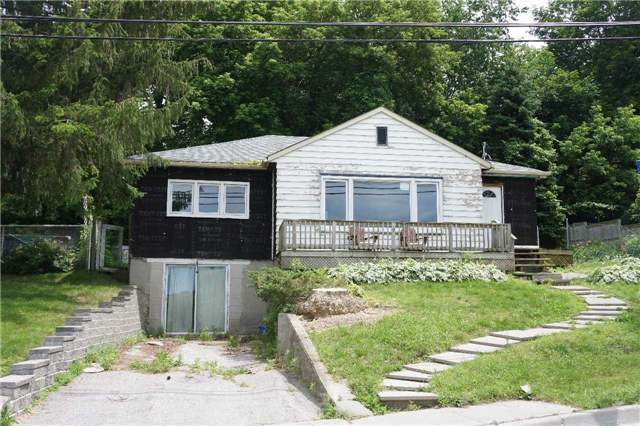 Detached at 299 Second St, Newmarket, Ontario. Image 2