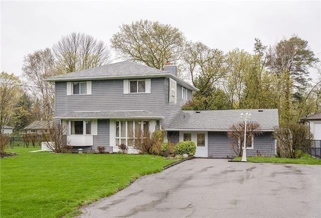 Detached at 28 Sharon Blvd, East Gwillimbury, Ontario. Image 1