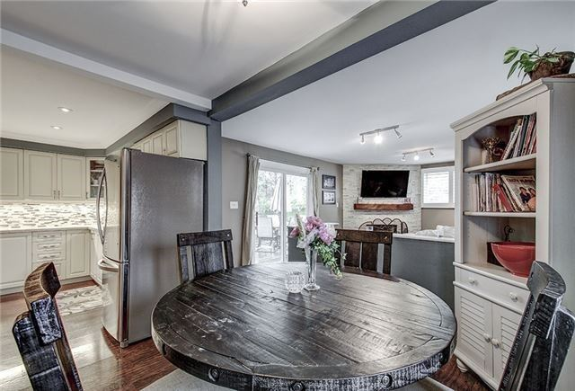 Detached at 28 Sharon Blvd, East Gwillimbury, Ontario. Image 17