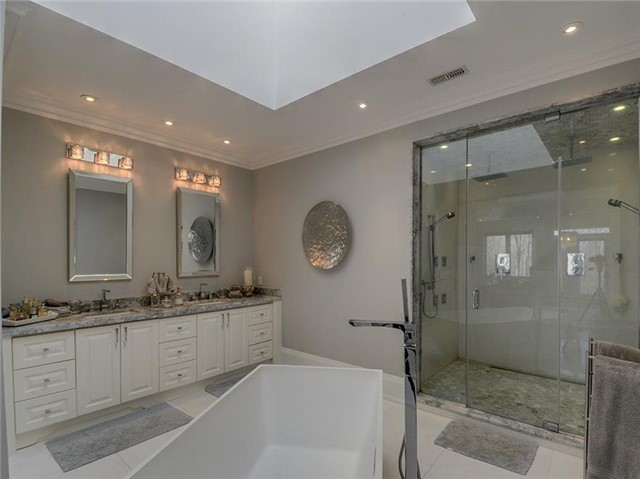 Detached at 4261 St.John's Sdrd, Whitchurch-Stouffville, Ontario. Image 5