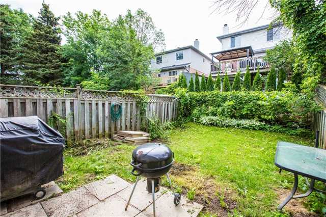 Condo Townhouse at 106 Deer Run Cres, Bradford West Gwillimbury, Ontario. Image 5