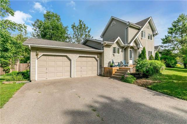 Detached at 3794 East St, Innisfil, Ontario. Image 1