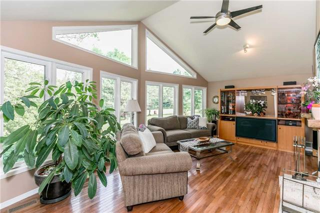Detached at 3794 East St, Innisfil, Ontario. Image 12
