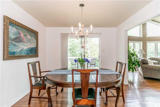 Detached at 3794 East St, Innisfil, Ontario. Image 15