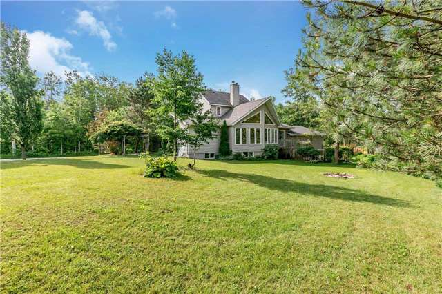 Detached at 3794 East St, Innisfil, Ontario. Image 8