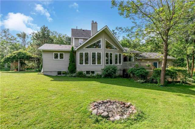 Detached at 3794 East St, Innisfil, Ontario. Image 9