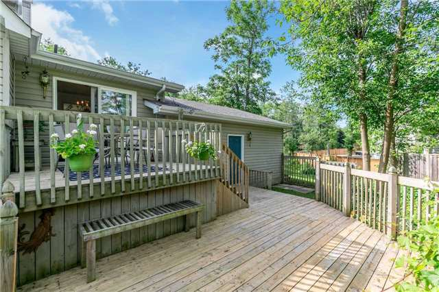 Detached at 3794 East St, Innisfil, Ontario. Image 10
