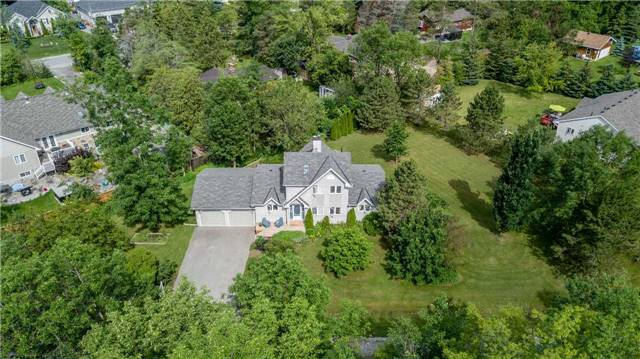 Detached at 3794 East St, Innisfil, Ontario. Image 11