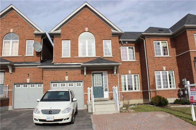 Townhouse at 34 Westcliffe Cres, Richmond Hill, Ontario. Image 1