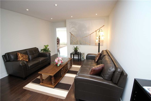 Townhouse at 34 Westcliffe Cres, Richmond Hill, Ontario. Image 12