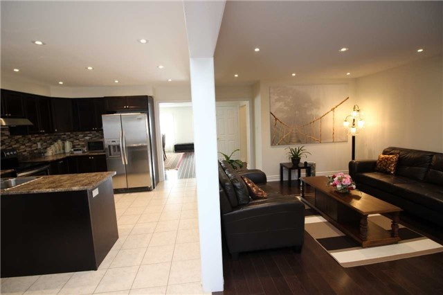 Townhouse at 34 Westcliffe Cres, Richmond Hill, Ontario. Image 14
