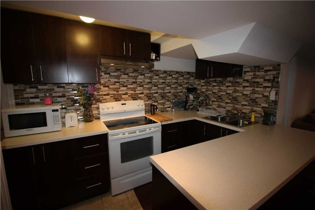 Townhouse at 34 Westcliffe Cres, Richmond Hill, Ontario. Image 15