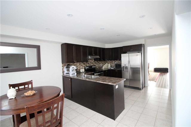 Townhouse at 34 Westcliffe Cres, Richmond Hill, Ontario. Image 16