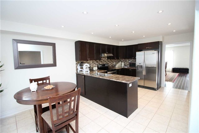 Townhouse at 34 Westcliffe Cres, Richmond Hill, Ontario. Image 17