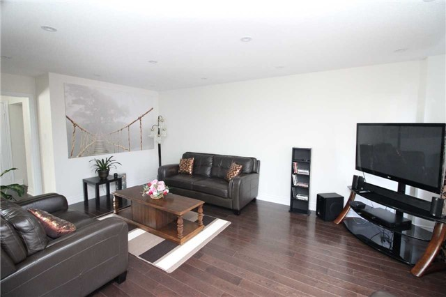 Townhouse at 34 Westcliffe Cres, Richmond Hill, Ontario. Image 19