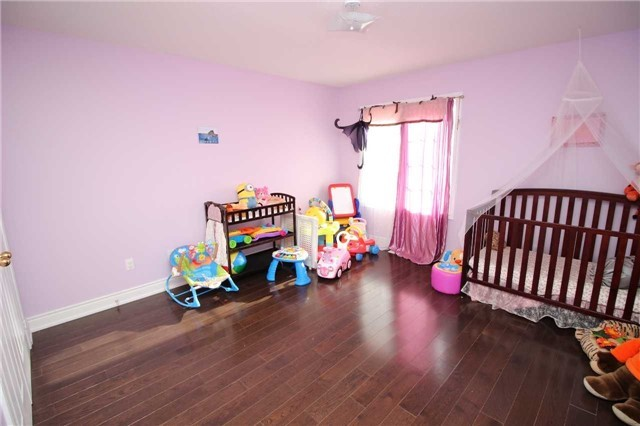 Townhouse at 34 Westcliffe Cres, Richmond Hill, Ontario. Image 7
