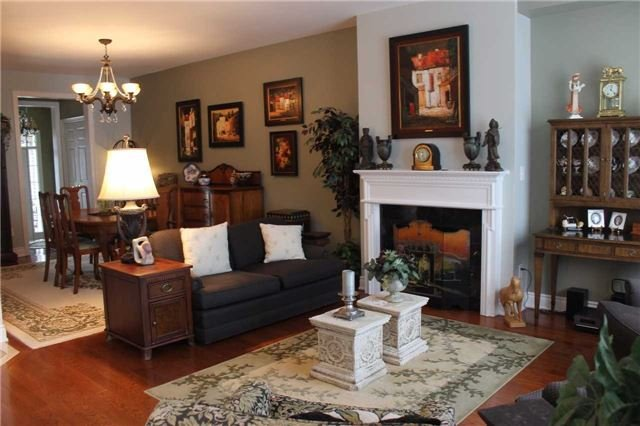 Condo Townhouse at 440 Terry Carter Cres, Newmarket, Ontario. Image 15