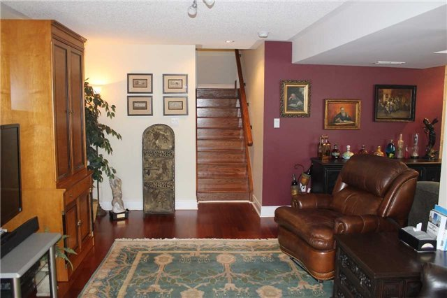 Condo Townhouse at 440 Terry Carter Cres, Newmarket, Ontario. Image 8