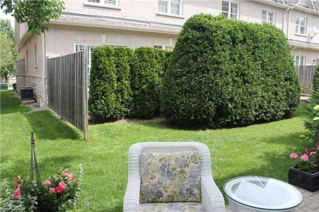 Condo Townhouse at 440 Terry Carter Cres, Newmarket, Ontario. Image 10