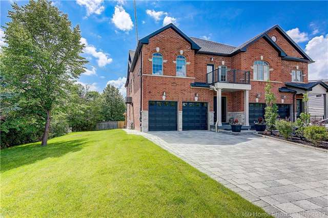 Semi-detached at 22 Bayview Crt, Richmond Hill, Ontario. Image 8