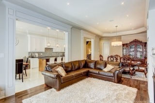 Semi-detached at 22 Bayview Crt, Richmond Hill, Ontario. Image 14