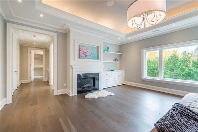 Detached at 37 Orlon Cres, Richmond Hill, Ontario. Image 5