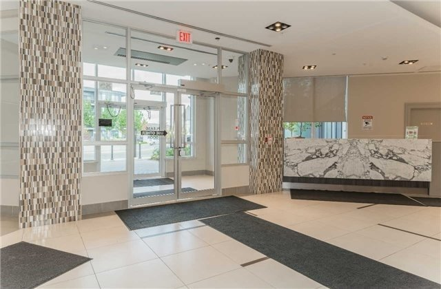 Condo Apartment at 75 North Park Rd, Unit 412, Vaughan, Ontario. Image 3