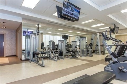 Condo Apartment at 75 North Park Rd, Unit 412, Vaughan, Ontario. Image 5