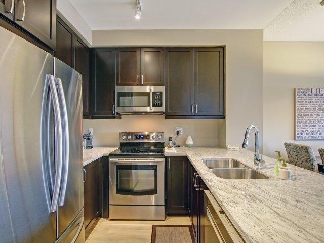 Condo Apartment at 2396 Major Mackenzie Dr, Unit 330, Vaughan, Ontario. Image 16