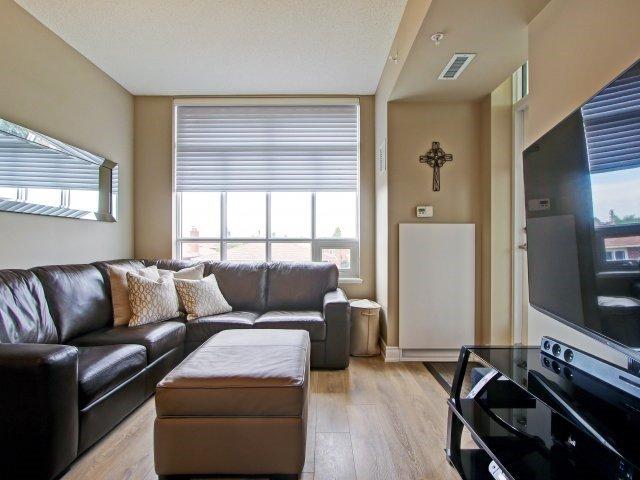 Condo Apartment at 2396 Major Mackenzie Dr, Unit 330, Vaughan, Ontario. Image 3