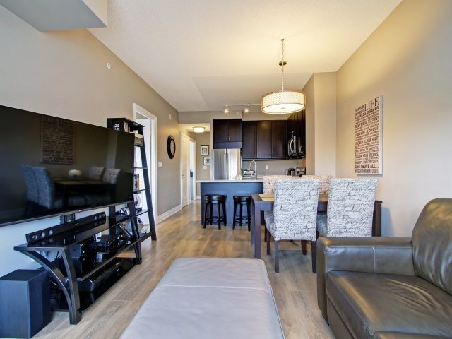 Condo Apartment at 2396 Major Mackenzie Dr, Unit 330, Vaughan, Ontario. Image 5