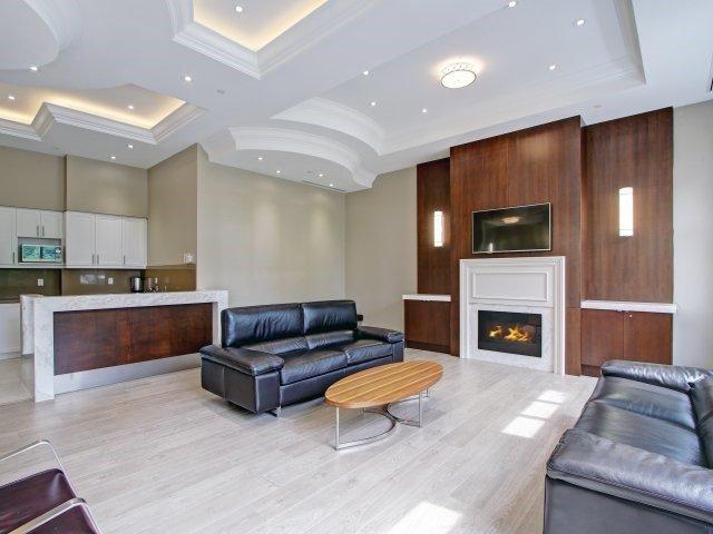 Condo Apartment at 2396 Major Mackenzie Dr, Unit 330, Vaughan, Ontario. Image 7