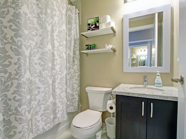 Condo Apartment at 2396 Major Mackenzie Dr, Unit 330, Vaughan, Ontario. Image 8