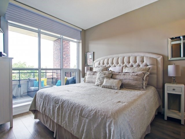 Condo Apartment at 2396 Major Mackenzie Dr, Unit 330, Vaughan, Ontario. Image 9
