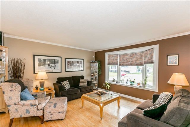 Detached at 29 Tree Top St, Essa, Ontario. Image 14