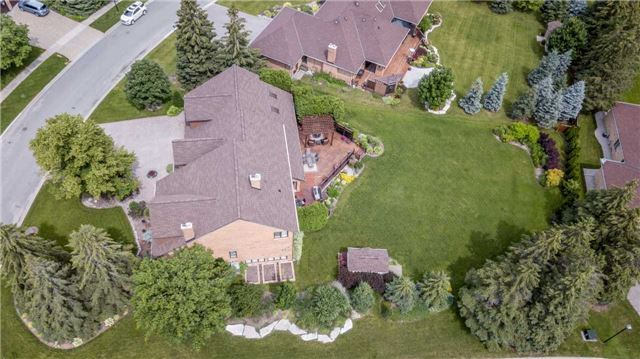 Detached at 3 Jenkinson Grve, King, Ontario. Image 1