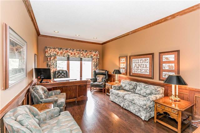 Detached at 3 Jenkinson Grve, King, Ontario. Image 2