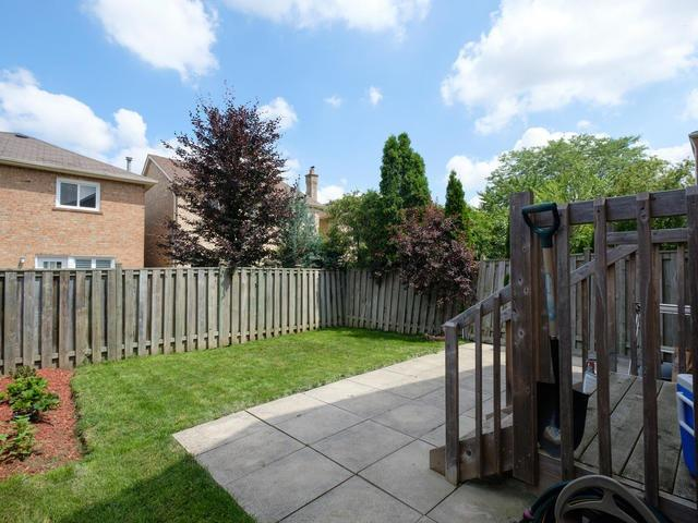 Detached at 122 Glenmanor Way, Vaughan, Ontario. Image 10