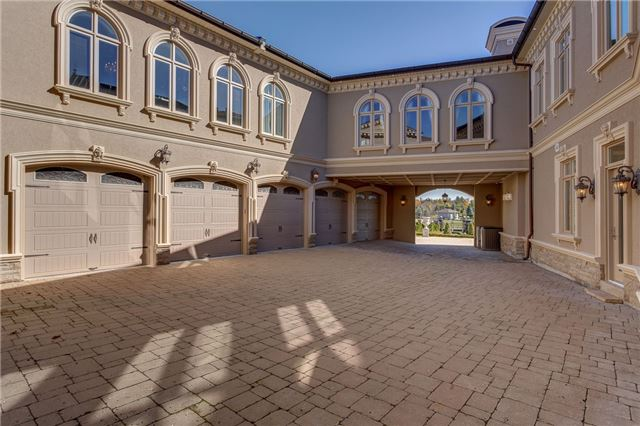 Detached at 88 Rocmary Pl, Vaughan, Ontario. Image 4