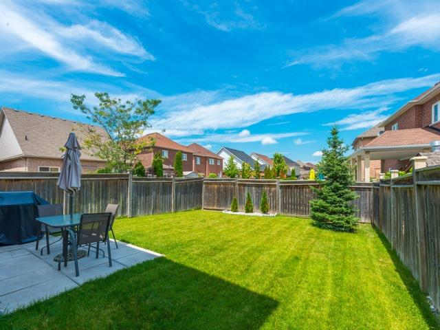 Detached at 14 Pondmede Cres, Whitchurch-Stouffville, Ontario. Image 12