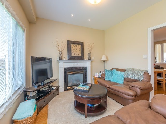 Detached at 14 Pondmede Cres, Whitchurch-Stouffville, Ontario. Image 17